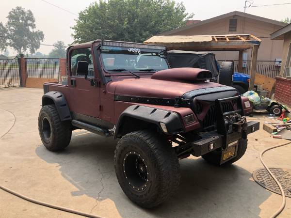 Photo 2004 Jeep Wrangler Sahara Edition - $9,000