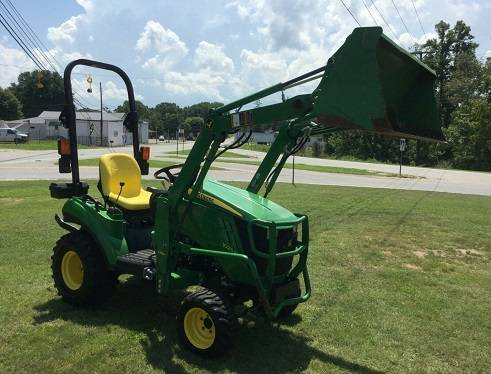 Photo 2011 Used John Deere w 42 Edge cutting system mower deck - $1200