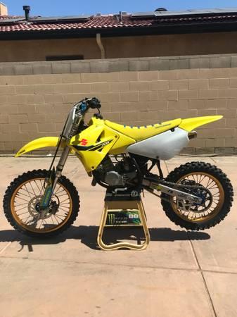 Photo 2020 Suzuki RM 85 Supermini (112) Dirt Bike - $4,800 (Bakersfield)