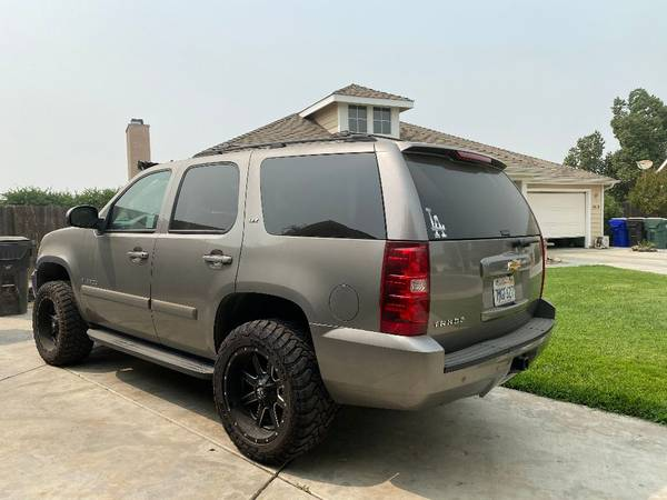 Photo Beautiful - 2007 Chevy Tahoe LTZ - $13 (Exeter)