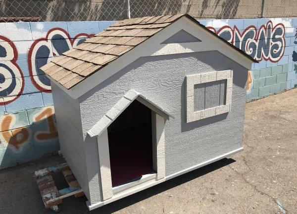 Photo Dog house cabin style with delivery - $825 (Tulare , Visalia , Fresno)