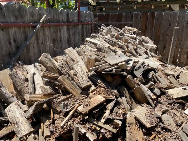 Photo Free Firewoodscrap wood (Los Banos)