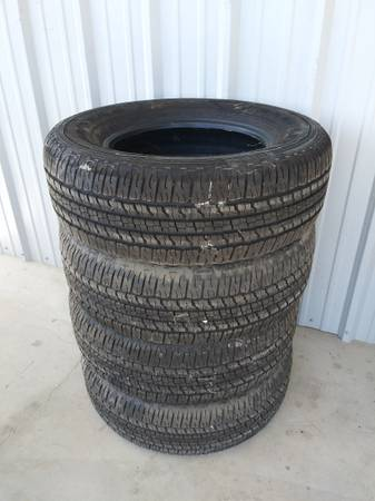 Photo Goodyear Wrangler tires - $250 (Exeter, Calif.)