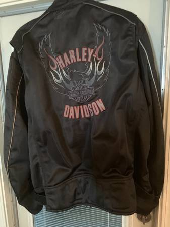Photo Harley Davidson light jacket - $110 (Exeter)