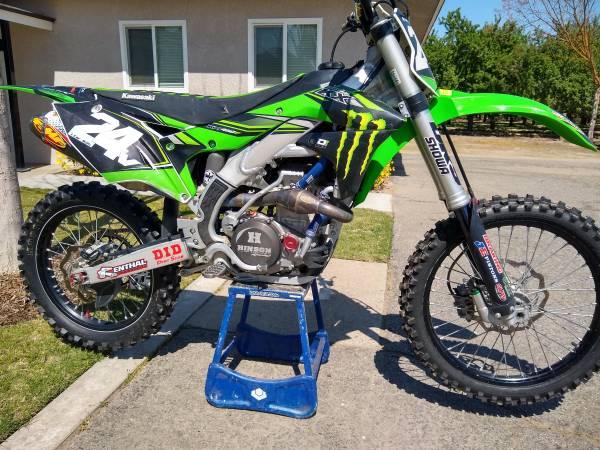 Photo Kawasaki KX 450 KX450 - $5,600 (Fresno)
