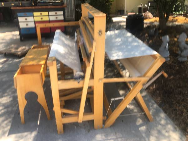 Photo Le Cierc Loom - $400 (Tulare)