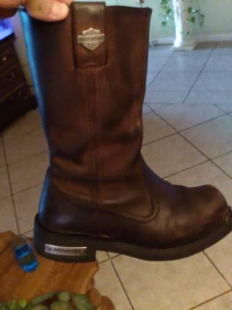 Photo Mens Harley Davidson Boots  Size 10 - $60 (Tulare)