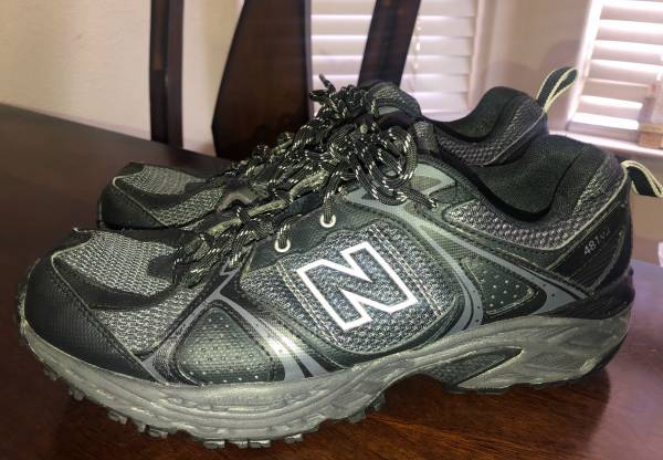 Photo Mens Running Shoes New Balance Size 10 - 4E (Gently Preowned) - $25 (Visalia)