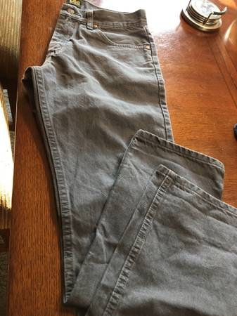 Photo Mens jeans - $10 (Visalia)