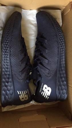 Photo New balance 12 12 Mens shoes - $29 (Visalia)