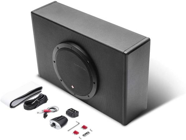 Photo Rockford Fosgate P300-8P Punch 8quot 300 Watt Powered Ported Subwoofer - $200 (Tulare)