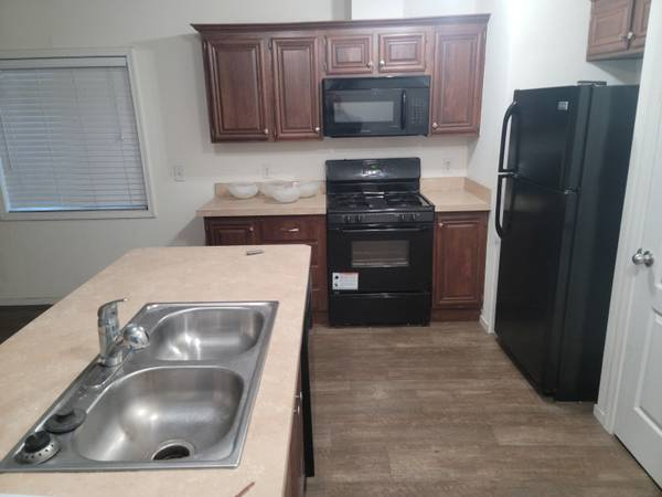 Photo Two Bedroom One Bath Call About 132 Now Available (Fresno)