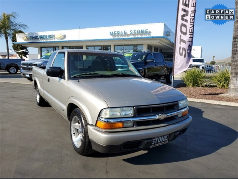 Photo Used 2003 Chevrolet S10 Pickup 2WD Extended Cab for sale