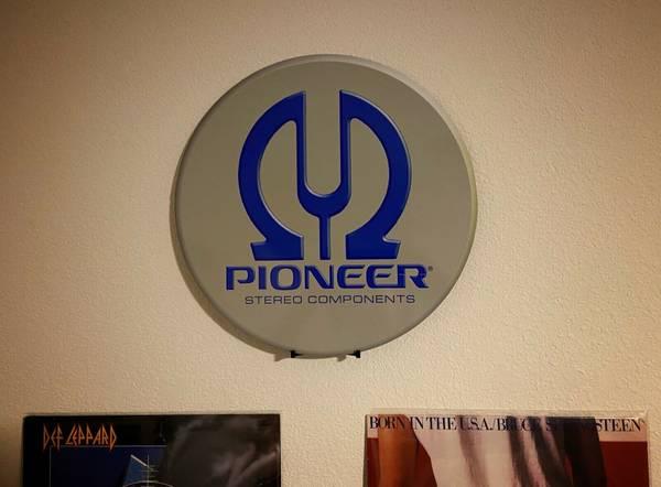 Photo Vintage Pioneer Stereo Metal Sign - $35 (Tulare)