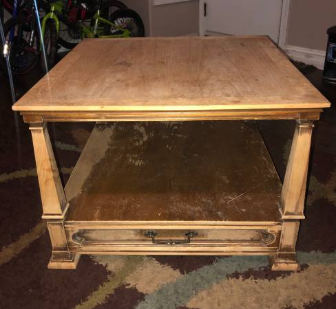 Photo Vintage Solid Wood End Table Stand American of Chicago Fine Furniture - $175 (Visalia)