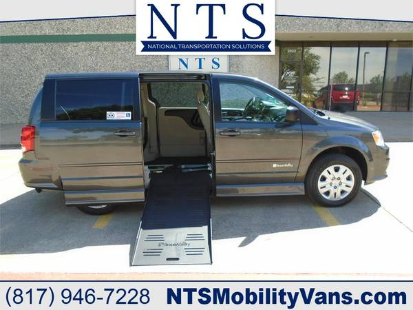 Photo 17 DODGE GRAND CARAVAN MOBILITY HANDICAPPED WHEELCHAIR POWER RAMP VAN - $28500 (Irving, TX)