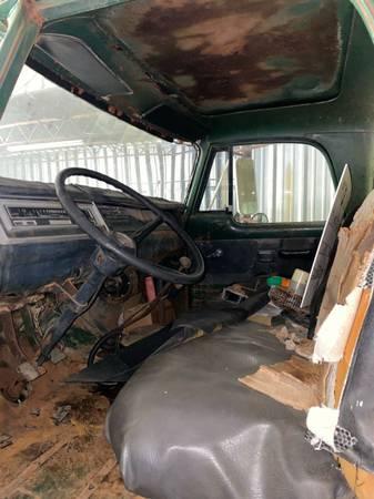 Photo 1973 Dodge D600 - $3,500