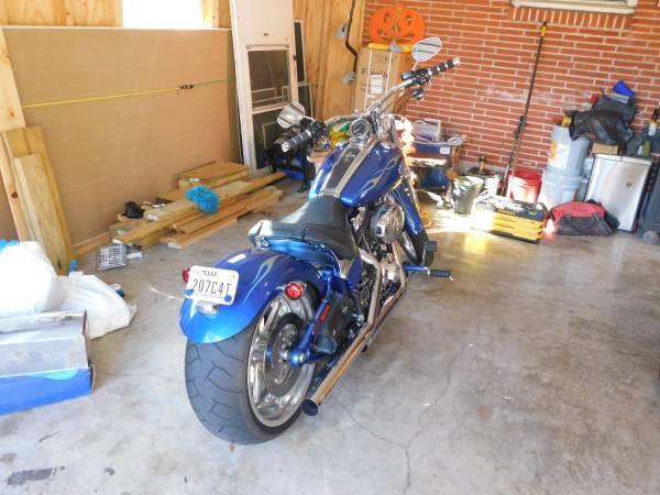 Photo 2009 HD Rocker C - $8,000 (waco)