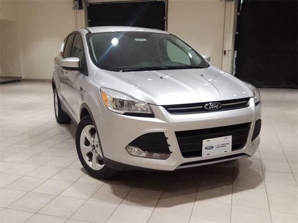 Photo 2015 Ford Escape SE - SUV - $12500 (Ford Escape Ingot Silver)