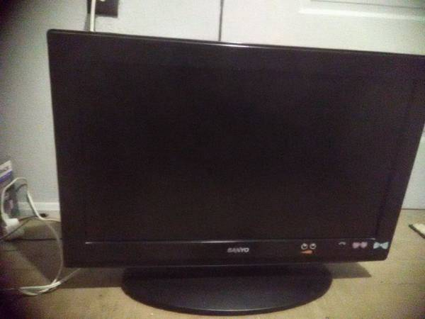 Photo 26 INCH SANYO TVMONITOR COMES WITH REMOTE $20.00 - $20 (lacy lakeview)