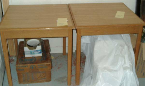 Photo 2 Wood Square Tables 3 oblong Table differant size - $50 (Whitney)