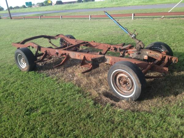 Photo 47-53 Chevy truck rolling chassis - $295 (Waco)
