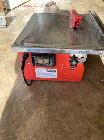 Photo 7 inch wet electric tile saw Chicago electric - $10 (Waco)