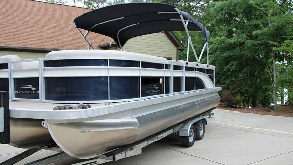 Photo BENNINGTON BOAT WITH ALL MAINTENANCE UP TO DATE - $22,050 (Godley)