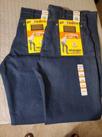 Photo BNWT 3436 Wrangler Cowboy Cut Jeans - $30 (Waco)