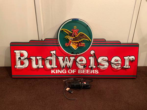 Photo Budweiser Vintage 5ft Neon Light Sign 1995-96 Hard to Get - $250 (Woodway)