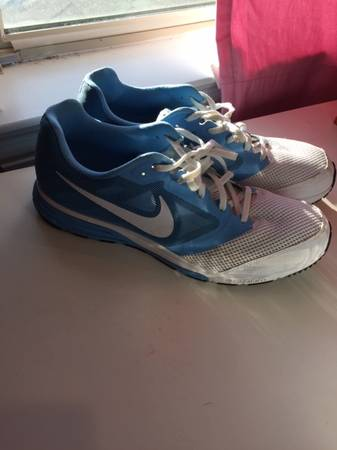 Photo Carolina Blue Nike Running Shoes Size 11.5 - $60 (Waco)