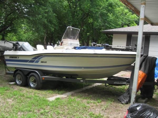 Photo Center Console Stratos Striper Boat - $15,000 (Clifton, (Lake Whitney) Tx)