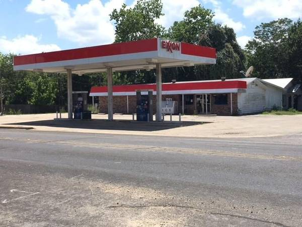 Photo Convenience Store, Gas Station, Retail Space For Sale Prime Location (Teague Texas)