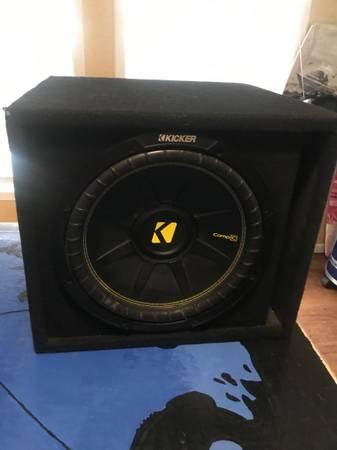 Photo Kicker 12 Subwoofer w Box and Amp - $250 (Waco)