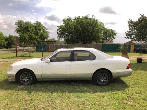 Photo Lexus LS400 - $4000 (Waco tx)