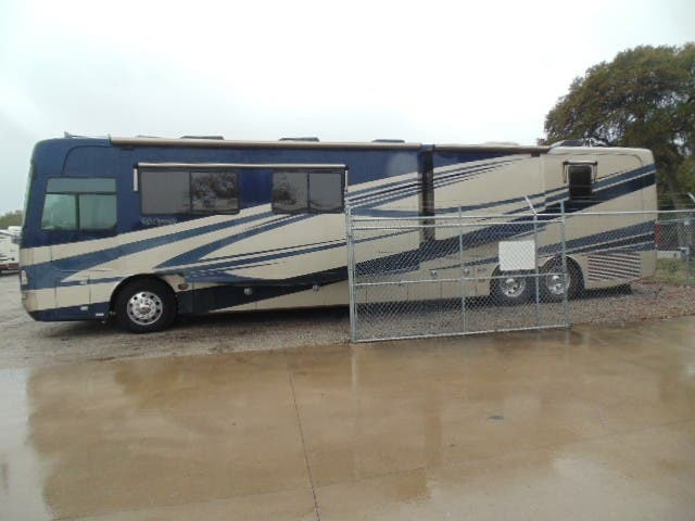 Photo 2007 Safari DAMARA $ 35981  Make an Offer