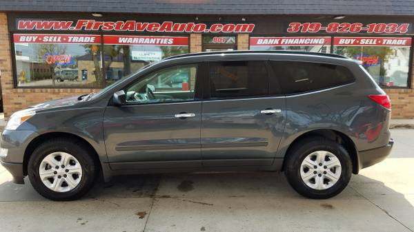 Photo 2011 CHEVY TRAVERSE 3RD ROW - $6,975 (FIRST AVE AUTO)