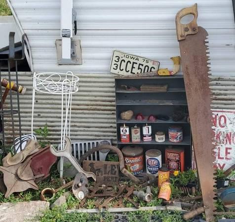 Photo Antique  Vintage Farm, Tractor, Auto, Farm  Misc Items For Sale - $10 (Hawkeye)