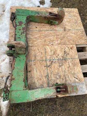 Photo John Deere Quick Hitch - $395 (Scales Mound)