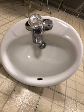 Photo Kohler Bathroom Sink with Delta Faucet - $25 (Iowa City)
