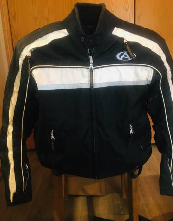 Photo MOTORCYCLE JACKET AGVSPORT XL padded with zip in liner - $40 (Waterloo)