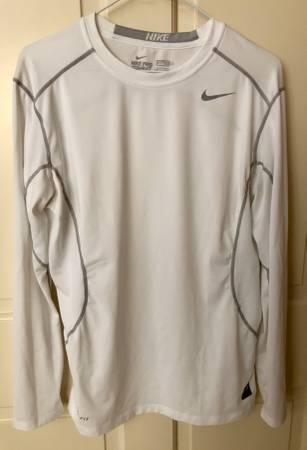 Photo Mens Nike Pro Combat Shirts Medium - $15 (Waterloo, IA)