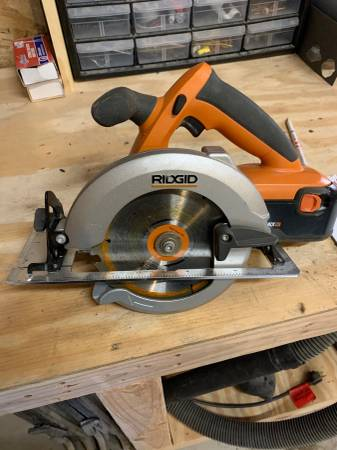 Photo Ridgid 6.5 Circular Saw - $65 (Shell Rock)