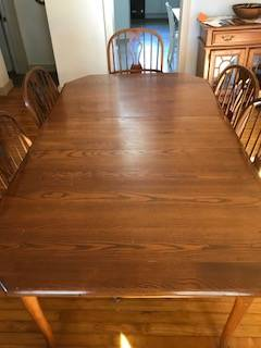 Photo Solid Oak Dining Set Table w2 leafs, 6 chairs, 2 hutches - $500 (Waterloo)