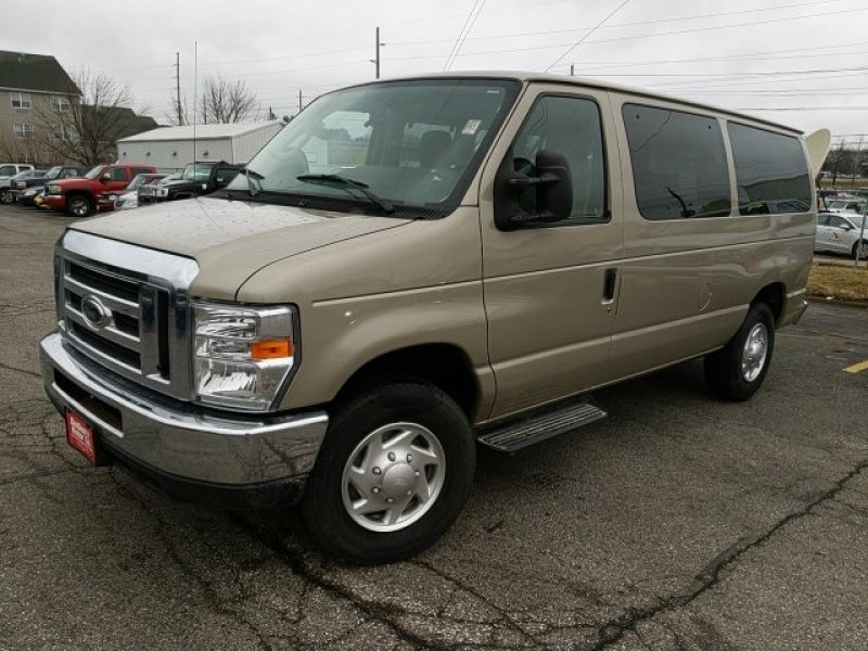 Photo Used 2012 Ford E-350 and Econoline 350 XLT for sale