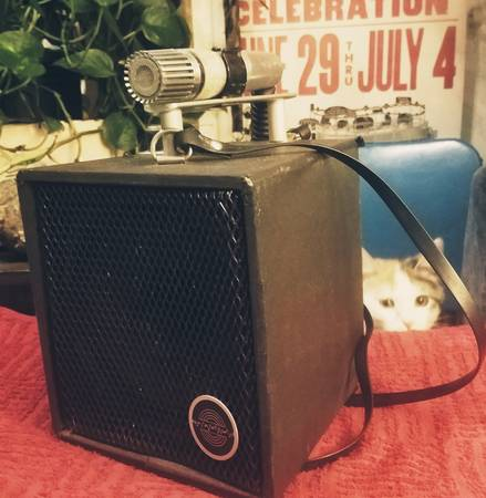Photo Vintage Portable Lectrosonics Voice Pro 15 PA System Cedar Rapids Iowa - $15 (Hawkeye)