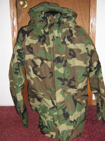 Photo 00 Extra Large Gore-Tex Camouflage Parka W Hood Like New - $85 (Watertown, N.Y.)