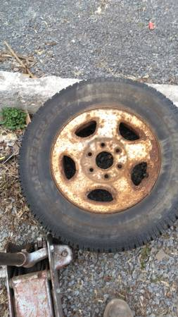 Photo 01 Chevy Silverado truck rims and tires (Watertown)