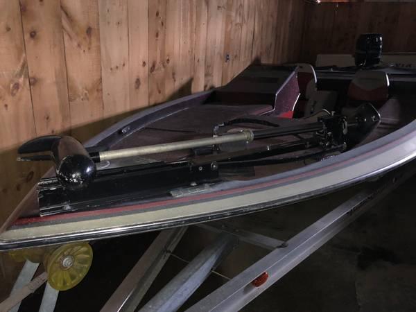 Photo 1986 quotGamblerquot Bass Boat w80 HP Mercury Motor - $3,300 (Ogdensburg)