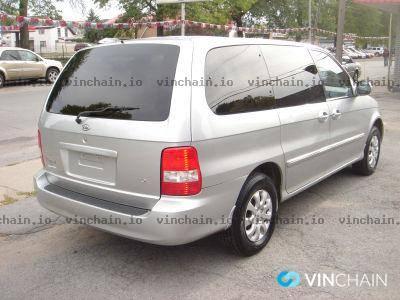 Photo 2005 Kia Sedona Mini Van - $1,200 (Watertown)